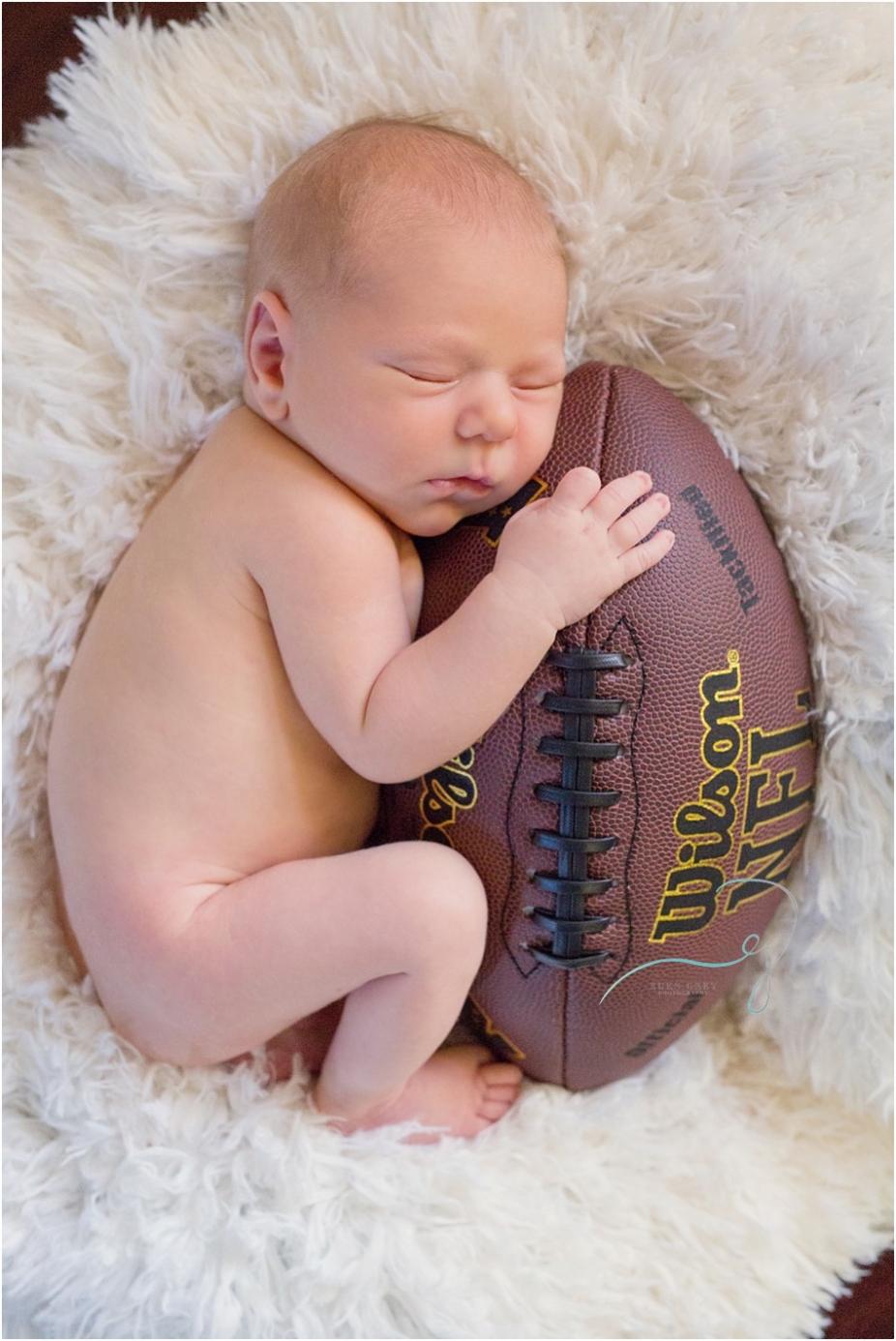 League City Newborn Photographers
